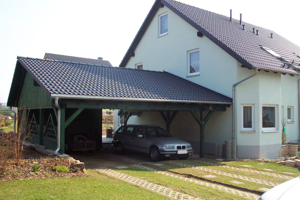 carport am haus affordable walmdach carport am haus carportwerk gmbh garage pinterest haus. Black Bedroom Furniture Sets. Home Design Ideas